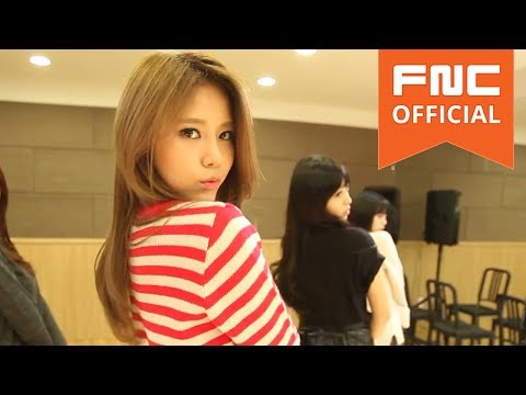 AOA (Ace Of Angels): AOA Miniskirt eye contact dance ver