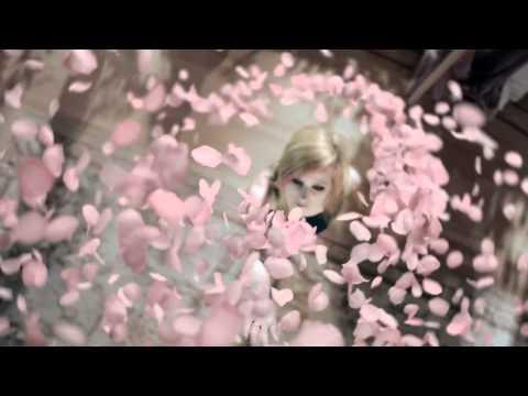 Wild Rose TV Commercial : Avril Lavigne