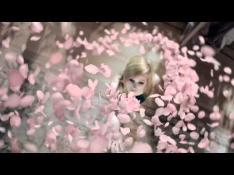 Wild Rose TV Commercial : Avril Lavigne