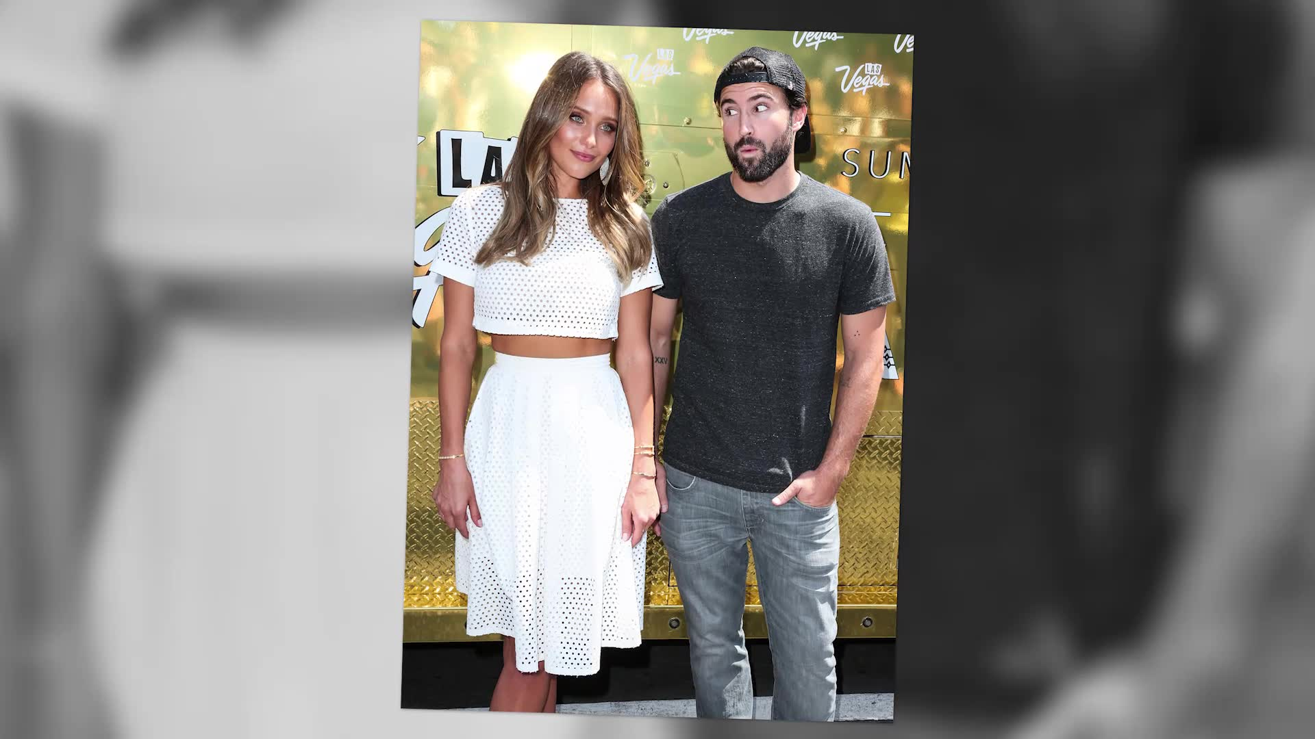 Sports Illustrated Hannah Davis Hands Out Ice Cream After Heating Up Hollywood