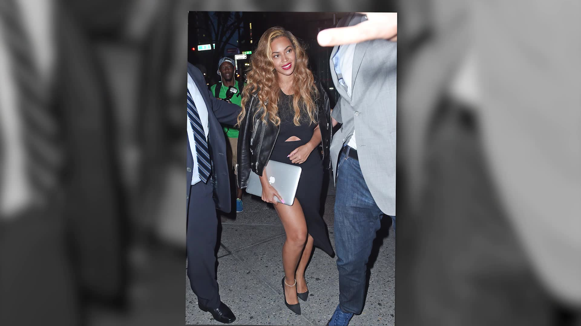 Beyoncé Looks Radiant After Holiday From The Paparazzi