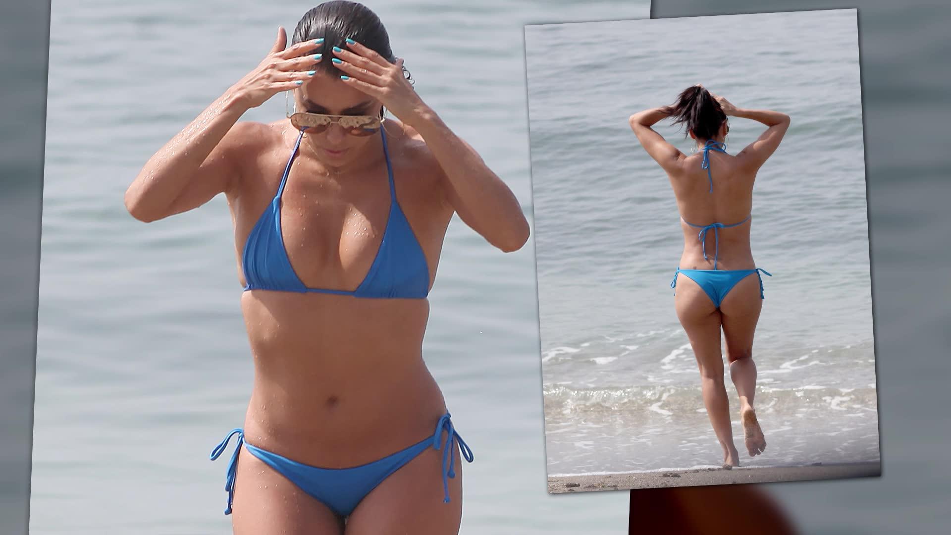 Eva Longoria Stuns in a Blue Bikini