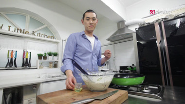 My Little Kitchen Season 1 Episode 5: Seafood Pancake, Steamed Pork