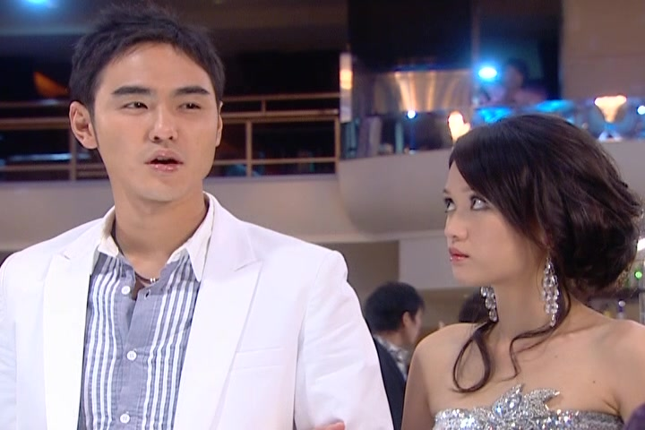 Xin Yi gets a makeover: Fated to Love You