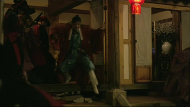 Lee Yoo Bi's makeover: The Scholar Who Walks the Night