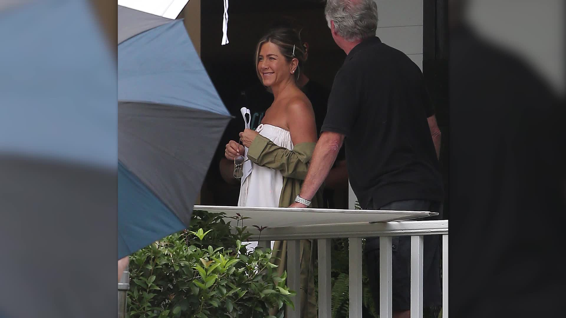 Jennifer Aniston Wears Nothing But A Towel On 'Mother's Day' Set