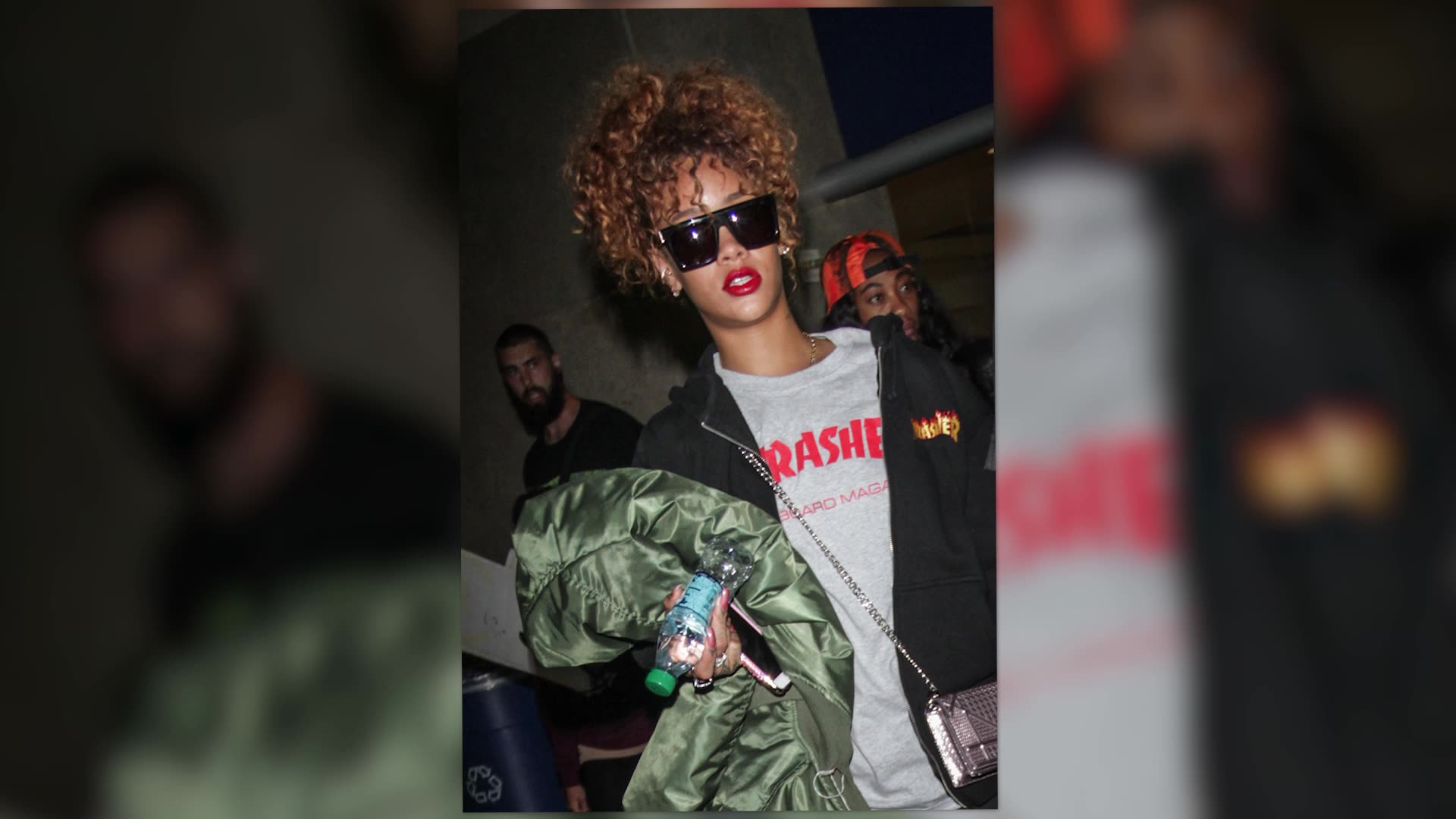 Rihanna Does A Style 180 Flying Into LAX