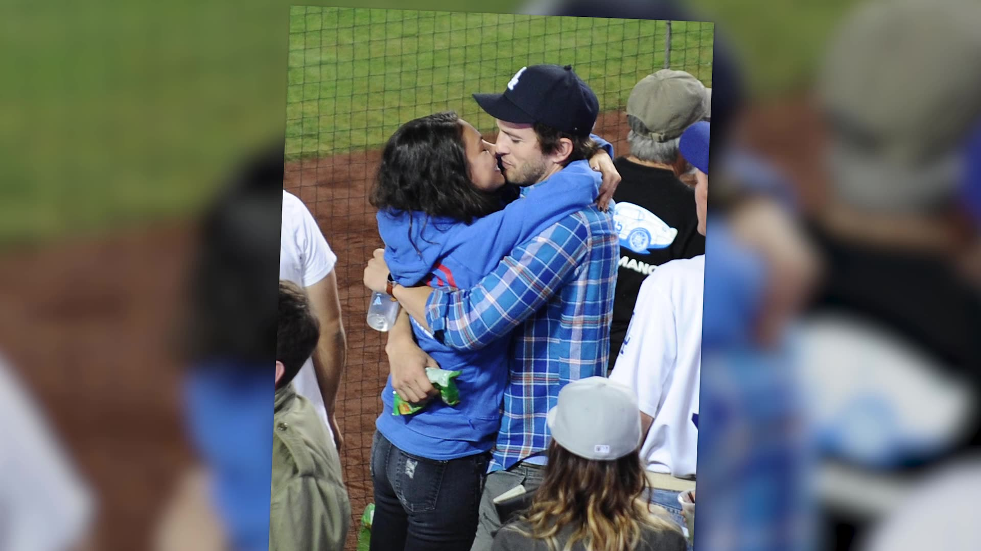 Ashton Kutcher & Mila Kunis Share Some PDA At A Dodgers Game