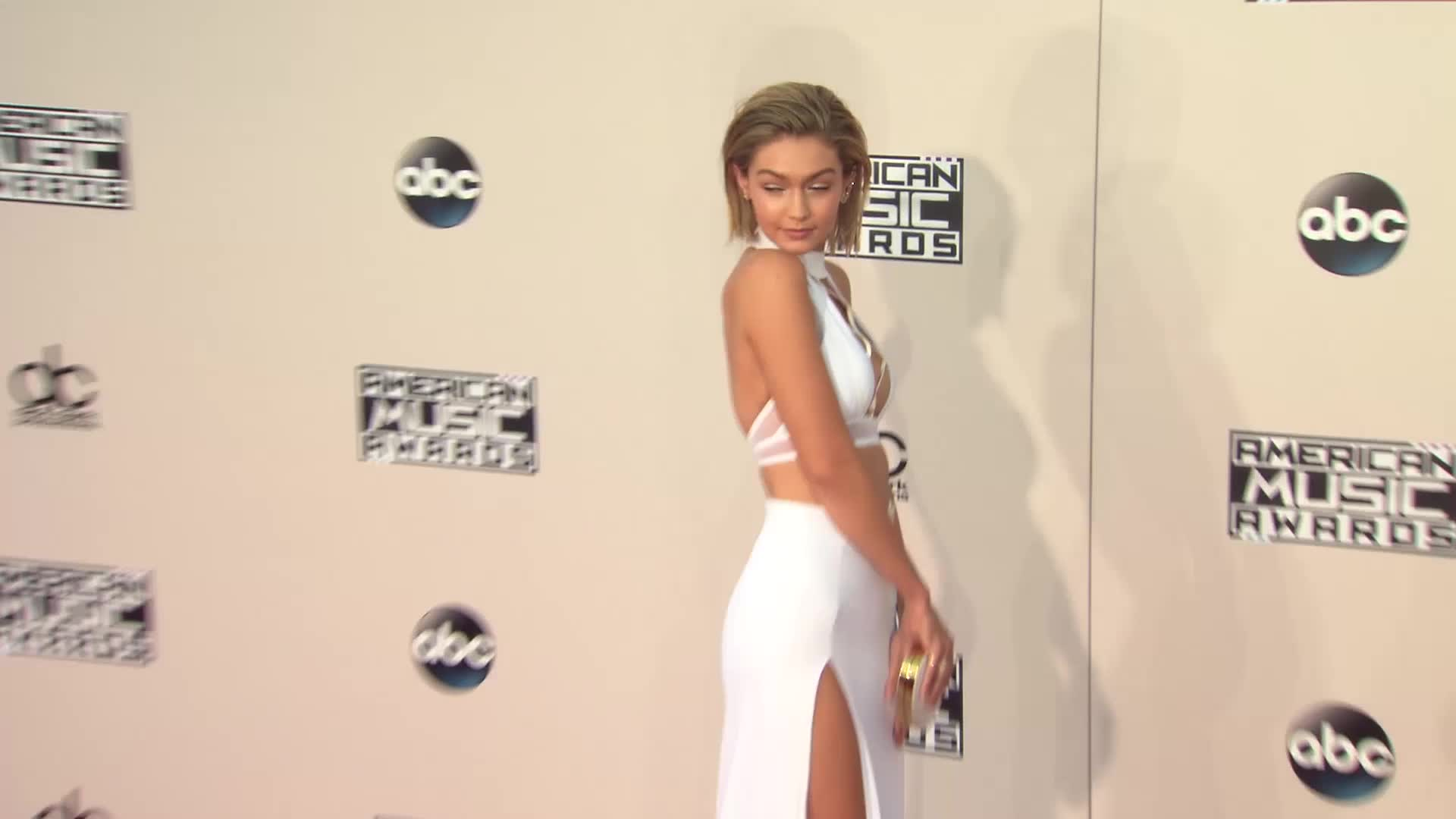Gigi Hadid is Blackmailed by Phone Hackers