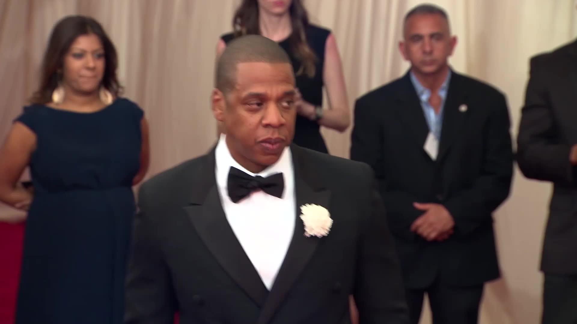 Jay Z Gave Beyoncé 10,000 Roses Before Her Super Bowl 50 Halftime Show