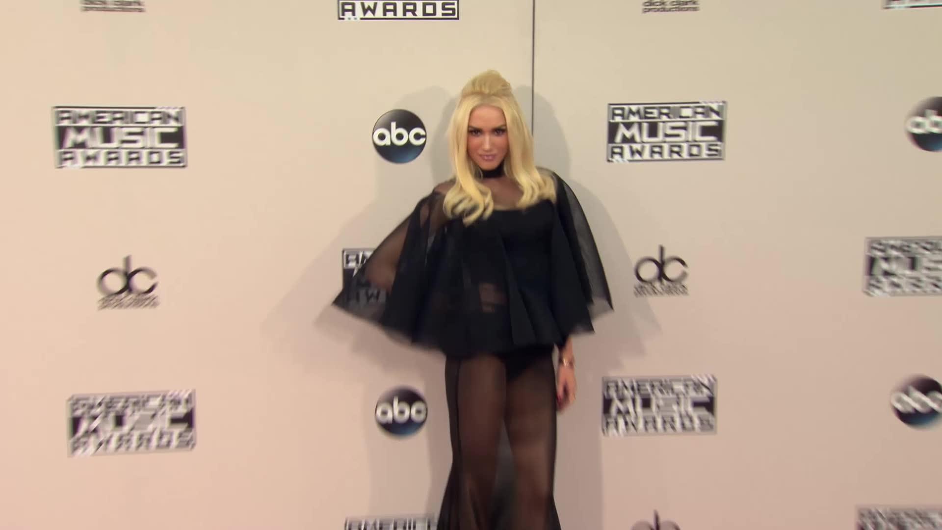 Gwen Stefani's New Single Reflects on New Relationship With Blake Shelton