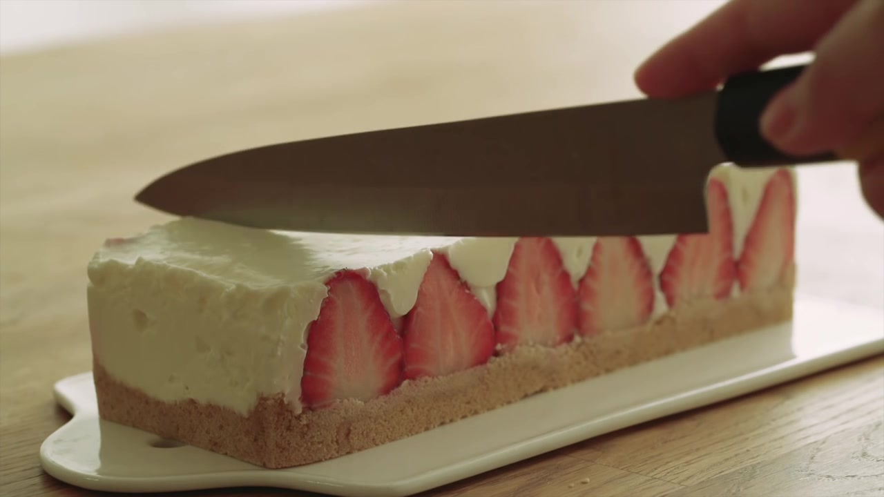 Honeykki Episodio 6: No-Oven Strawberry Cheese Cake