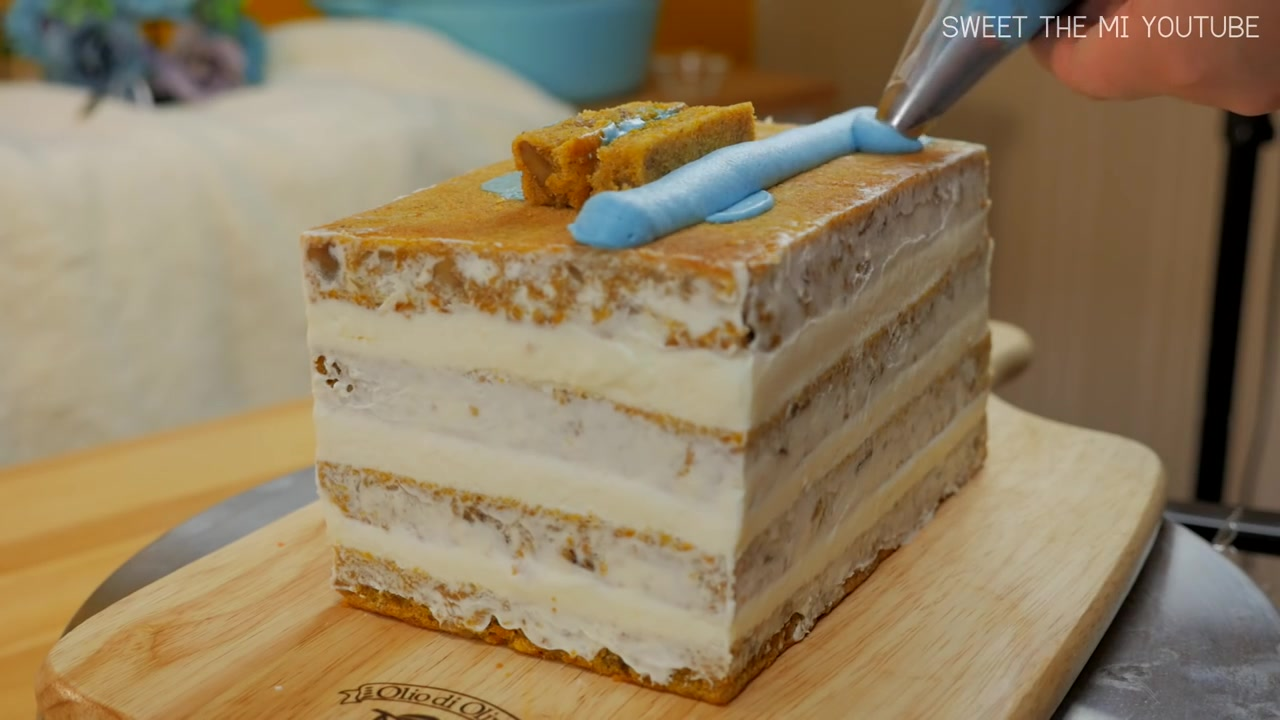 Sweet The MI Episode 7: FOOD VIDEO: 'Tayo the Little Bus' Cake (Carrot Cake)