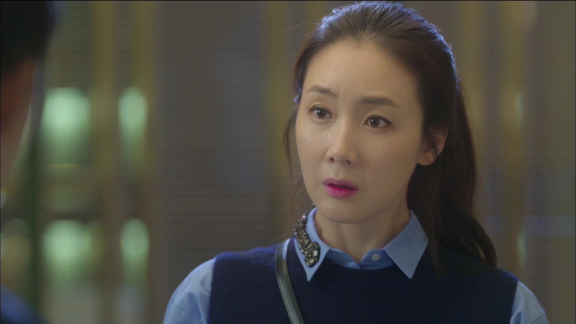 Woman With a Suitcase Episode 3