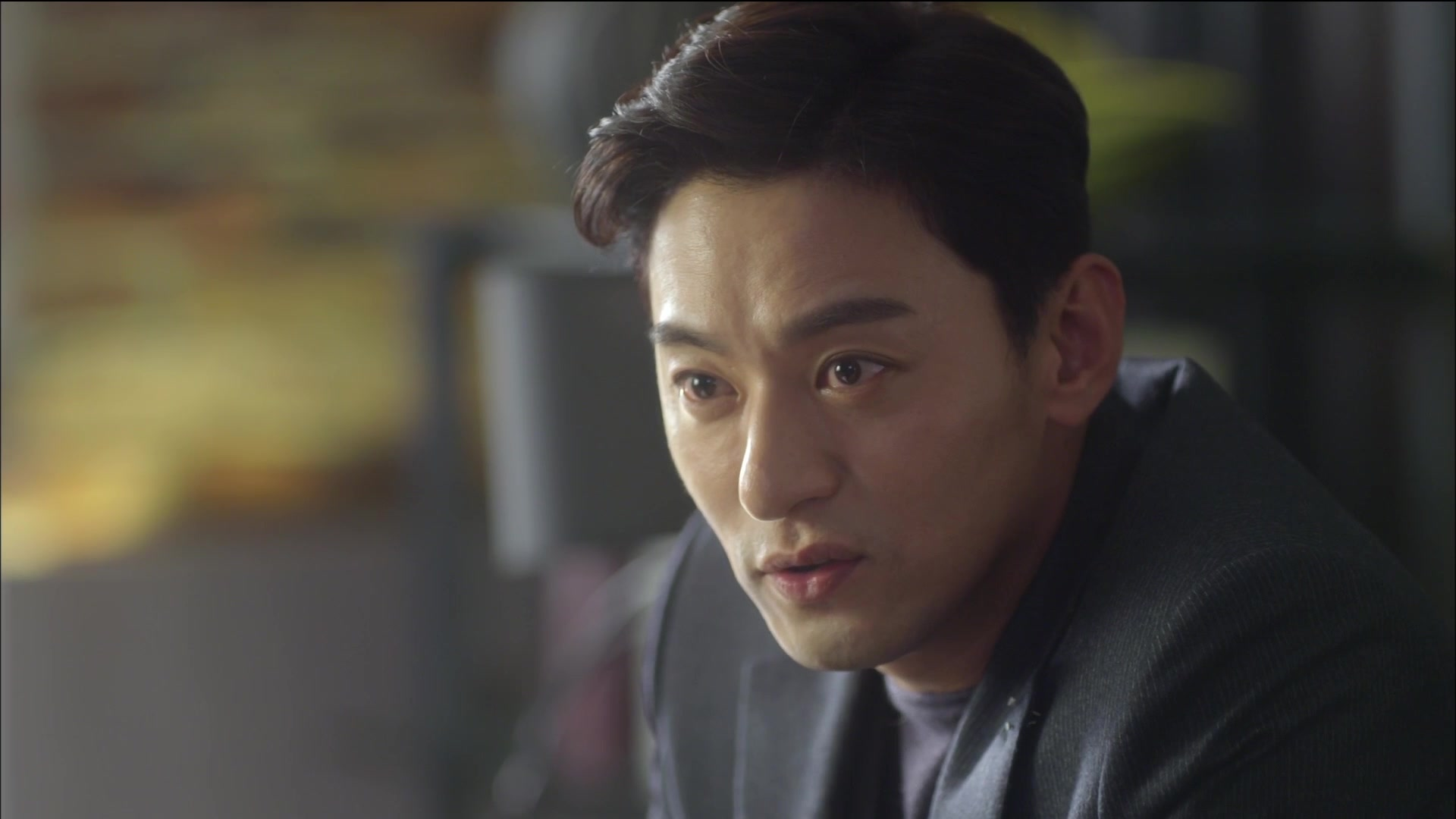 Woman With a Suitcase Episode 4