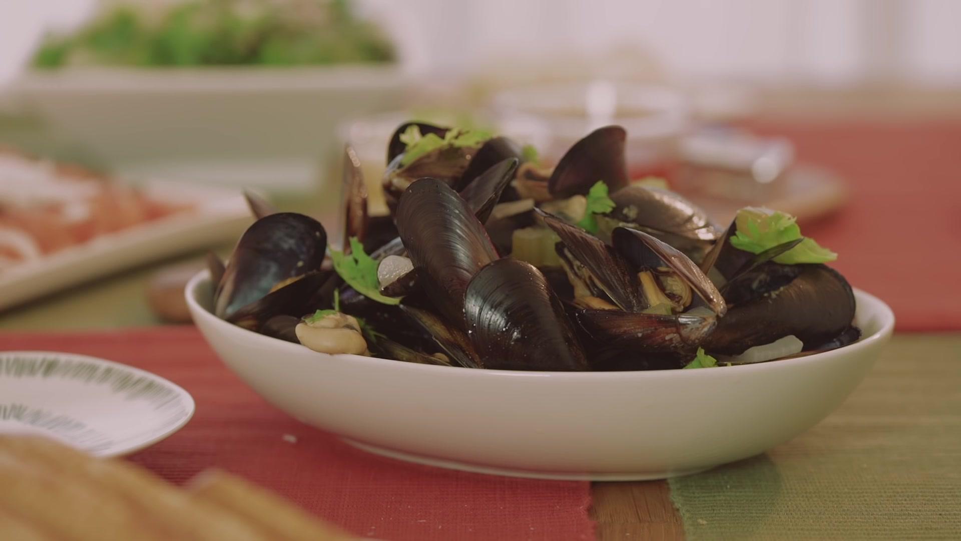 Honeykki Episode 136: Mussels Mariniere