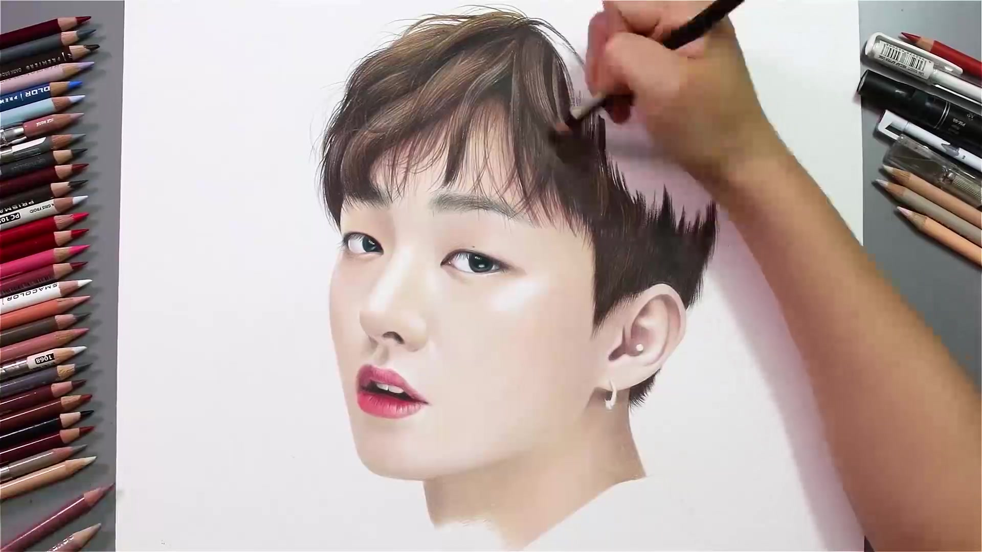 Drawing Hands Episode 60: Speed Drawing Wanna One's Yoon Ji Sung