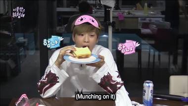 Episode 2 Clip 5 EXO Xiumin is very attentive and friendly!: It's Dangerous Beyond The Blankets Special