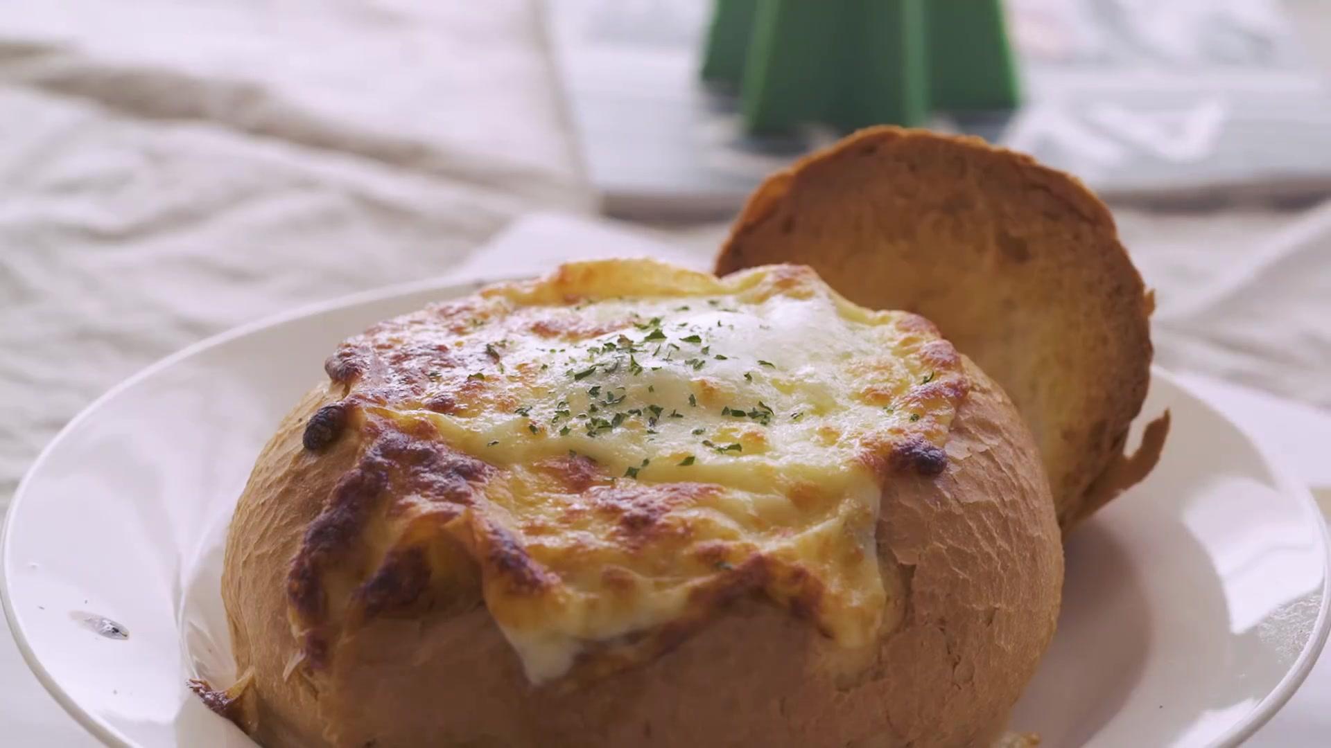 Honeykki Episode 163: Shrimp Cream Pasta in Bread Bowl