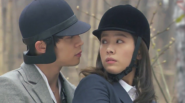 Rooftop Prince Episode 8